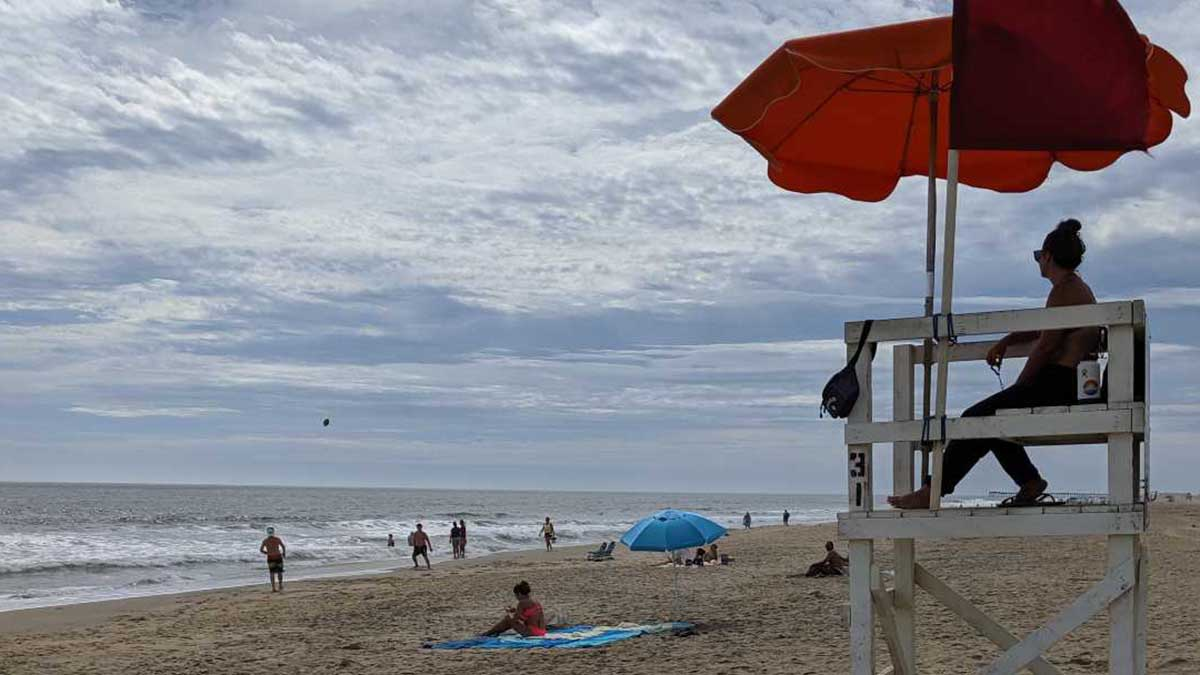 Thursday morning was quiet with consistent wind and waves at the oceanfront. Red flags were up to alert swimmers to quickly changing conditions.